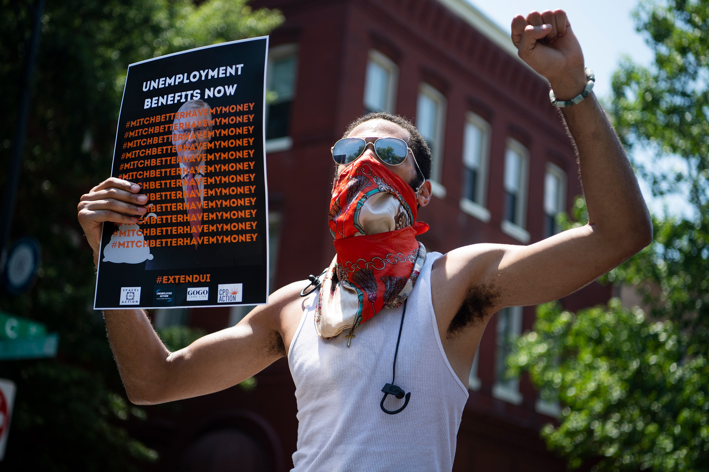 Photo essay: What unemployment looks like in pandemic America thumbnail