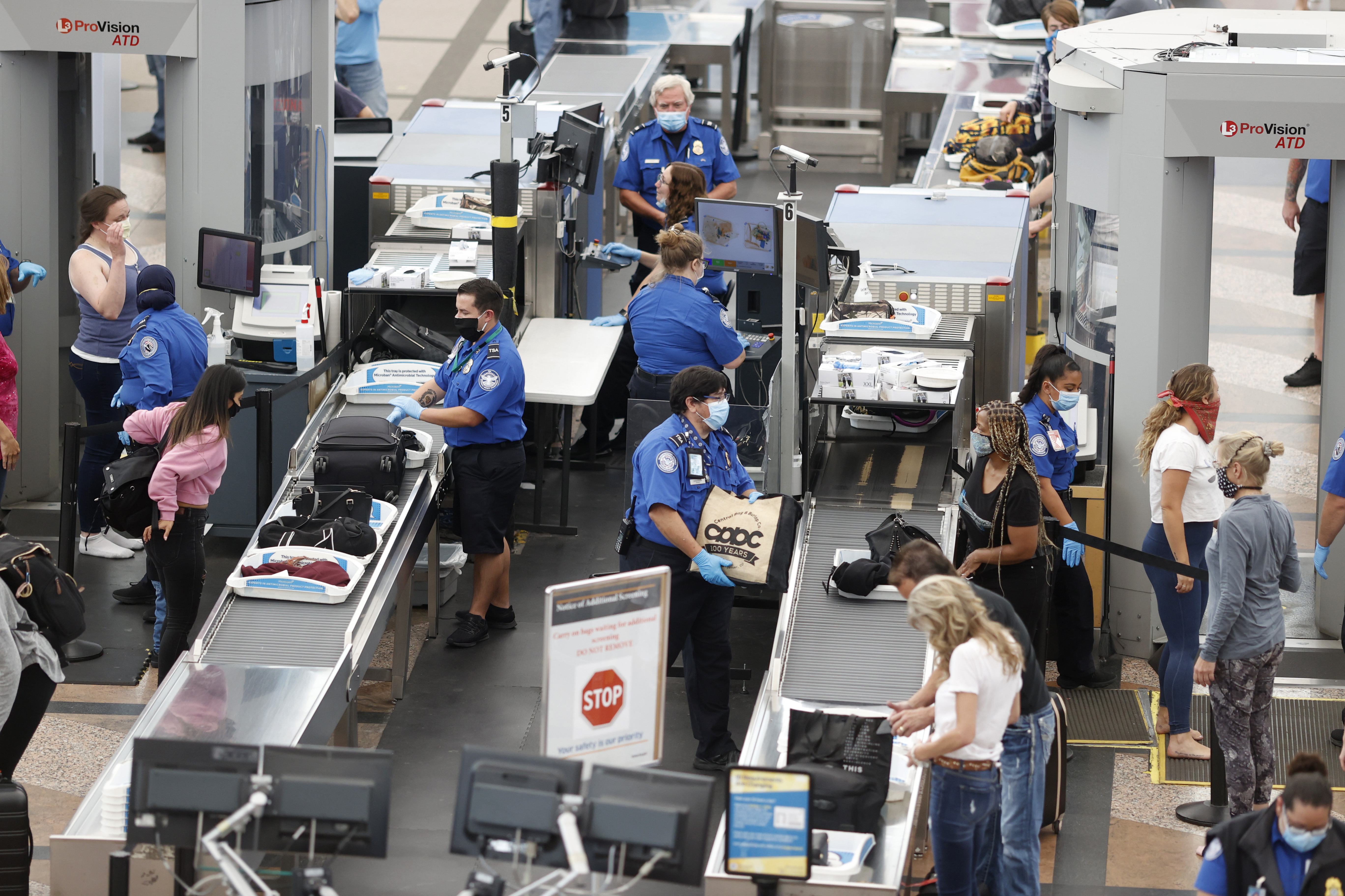 Travelers left nearly a million dollars at airport checkpoints last year thumbnail