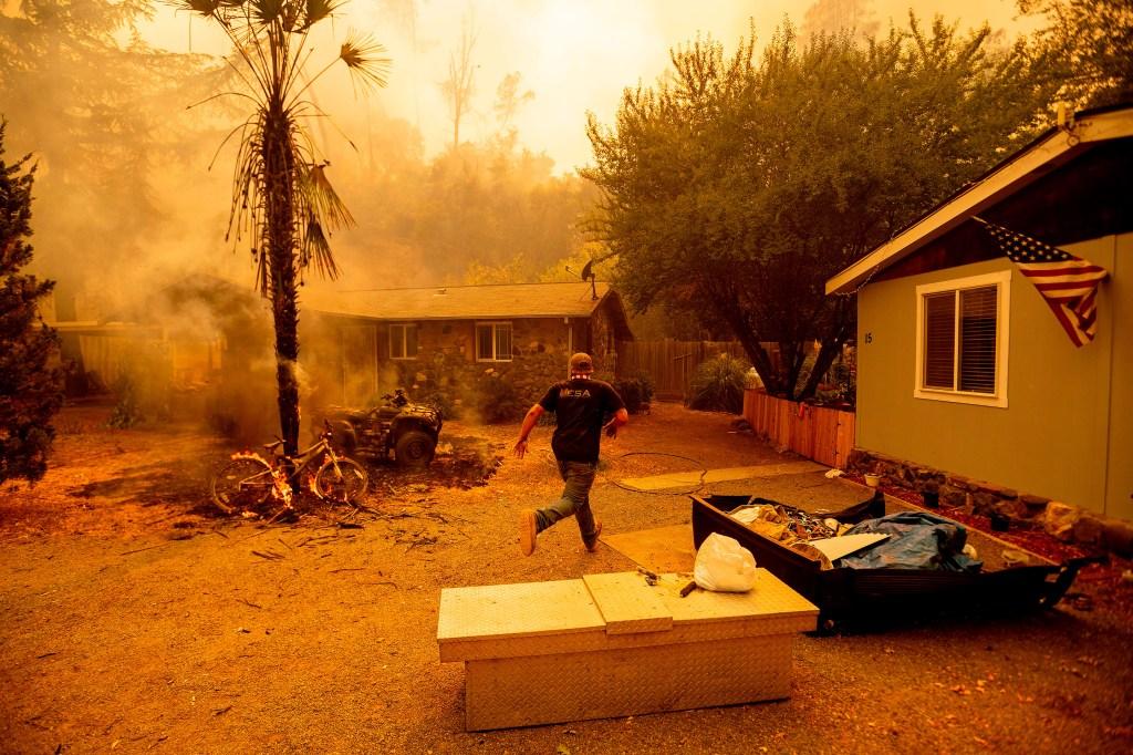 US-CALIFORNIA-WILDFIRE-FIRE