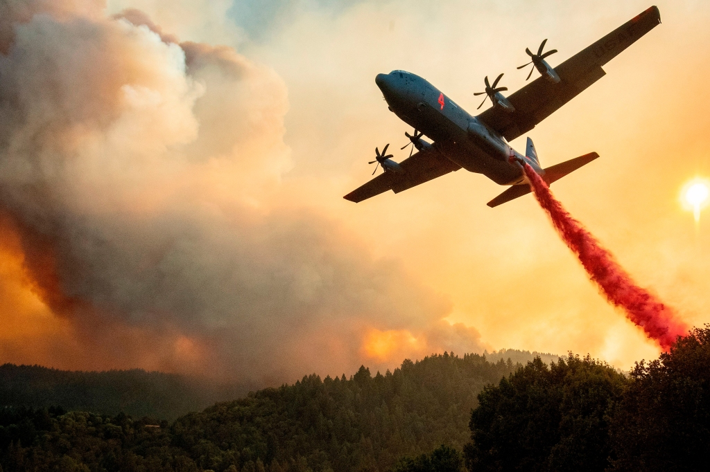 US-CALIFORNIA-WILDFIRE-FIRE