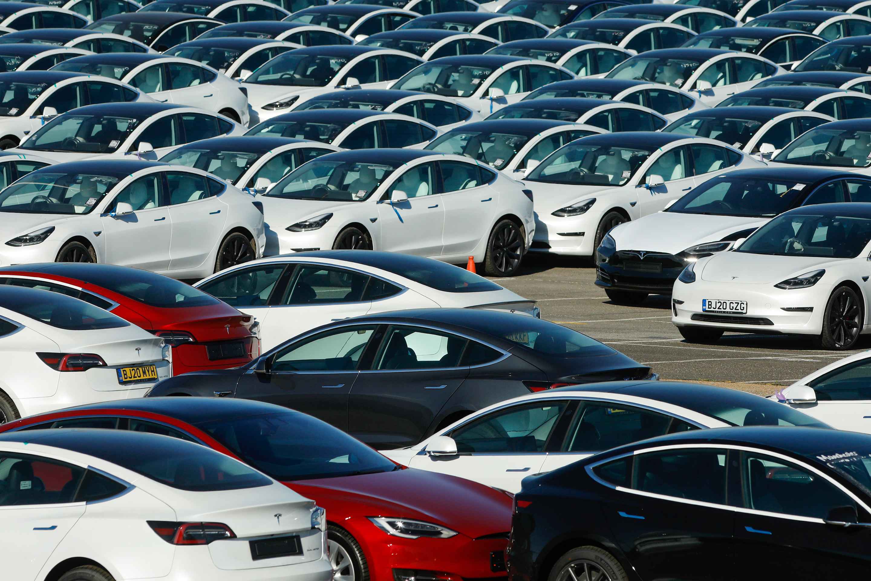 Tesla has a business model problem: It can never justify its current stock price by simply making cars thumbnail