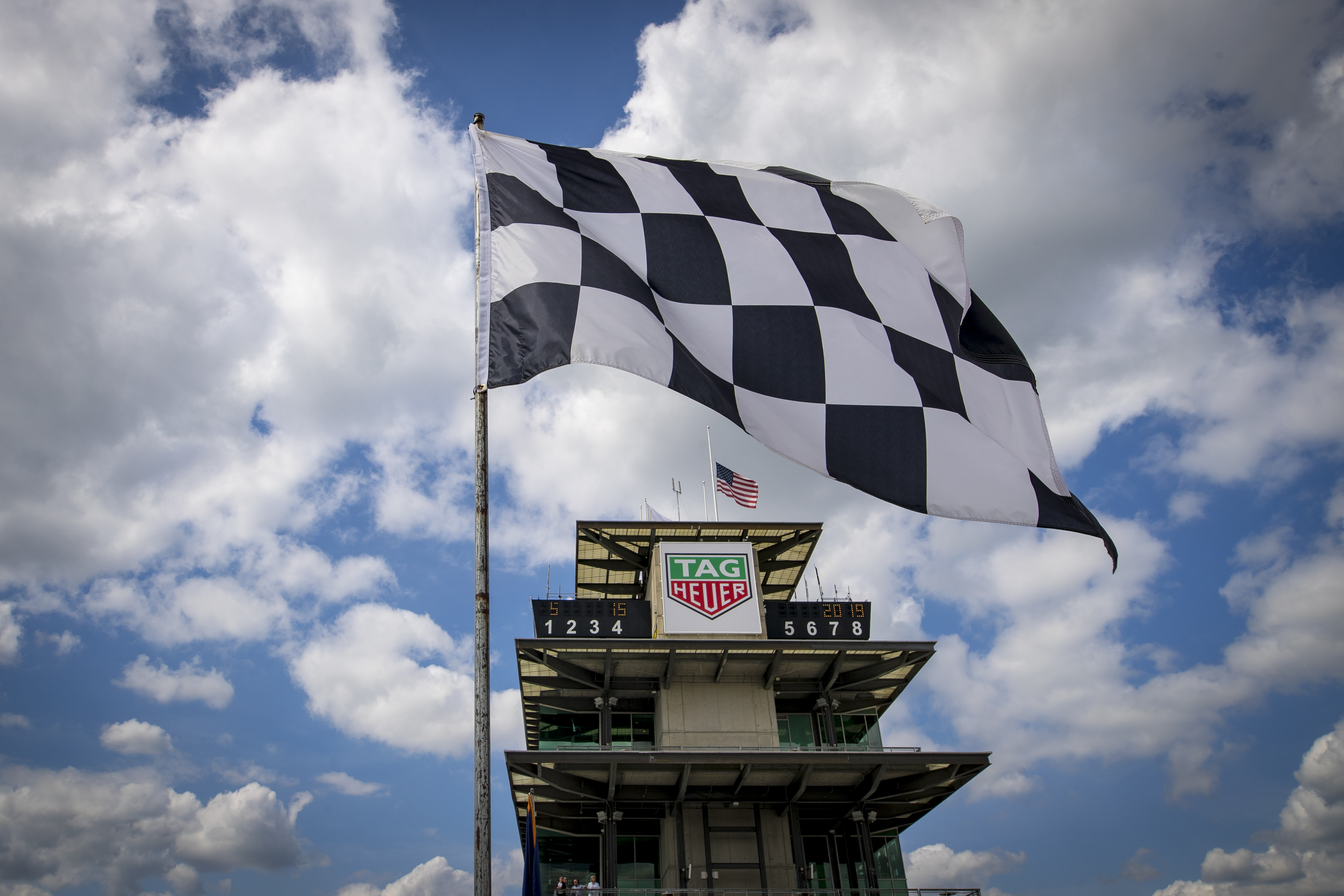 Self-driving cars will hit the Indianapolis Motor Speedway in a landmark A.I. race thumbnail