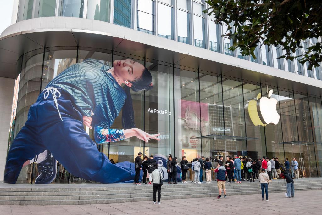 If the U.S. cripples Huawei, will China retaliate against Apple? thumbnail