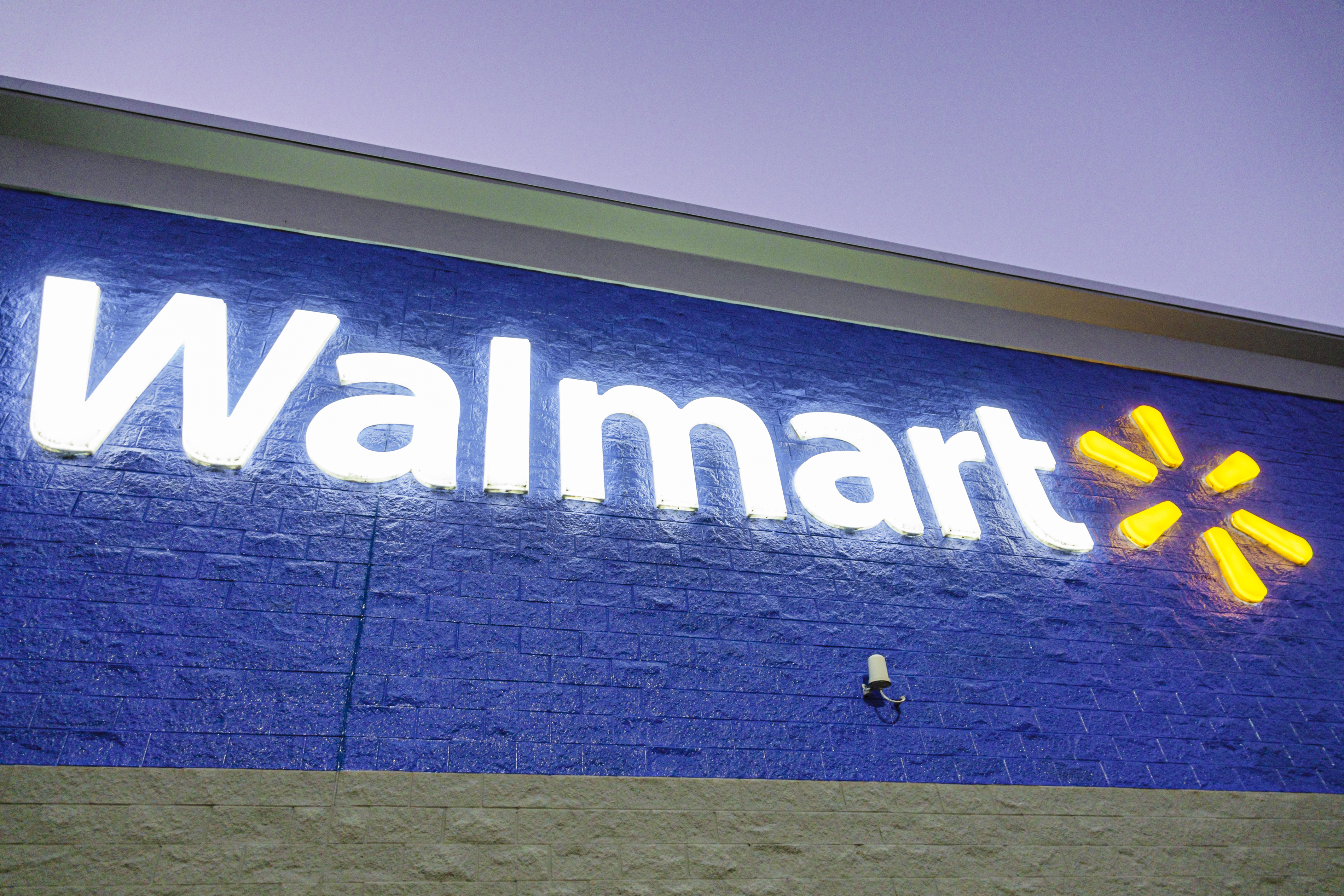 Walmart Sues Government To Pre Empt Allegations It Helped Fuel Opioid Crisis Fortune