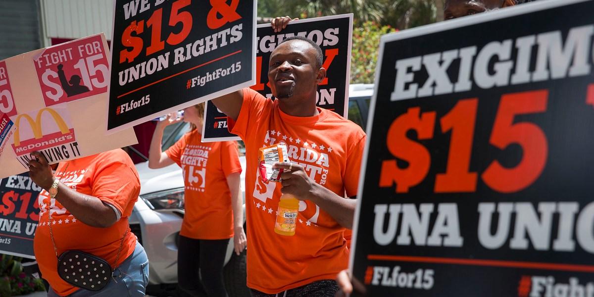 Florida votes to raise minimum wage to $15 thumbnail