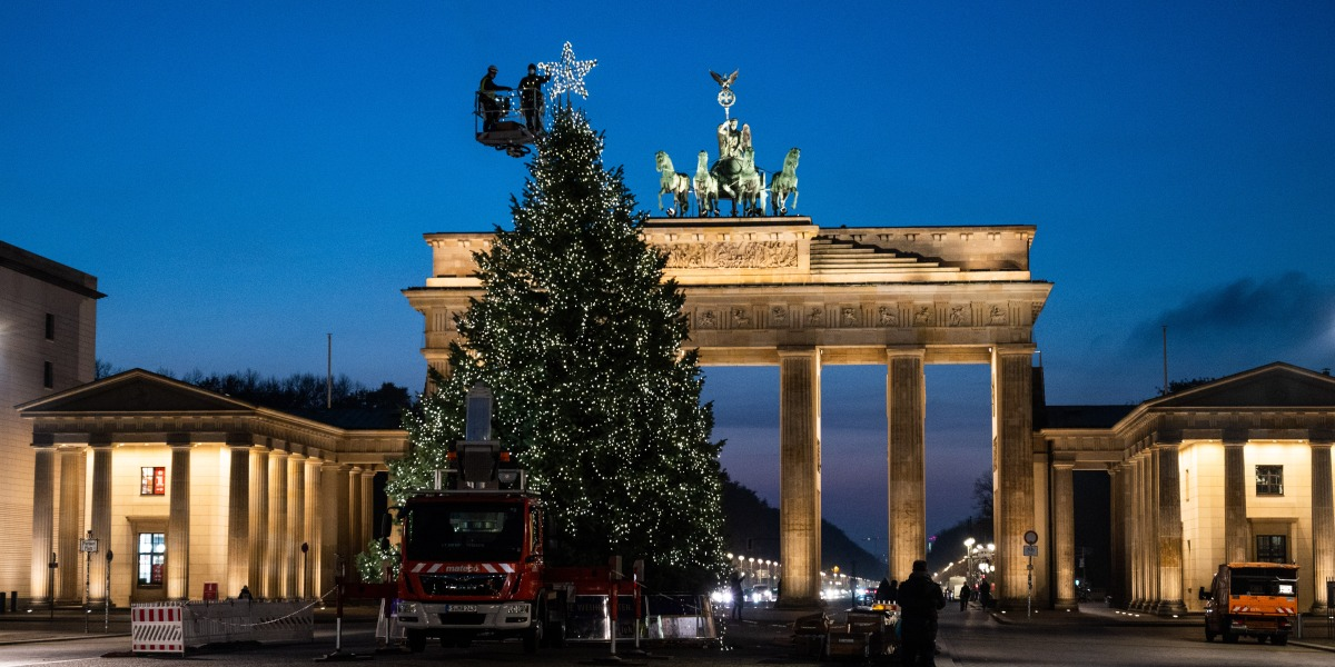 Christmas aside, Germany prepares for a long, locked-down winter