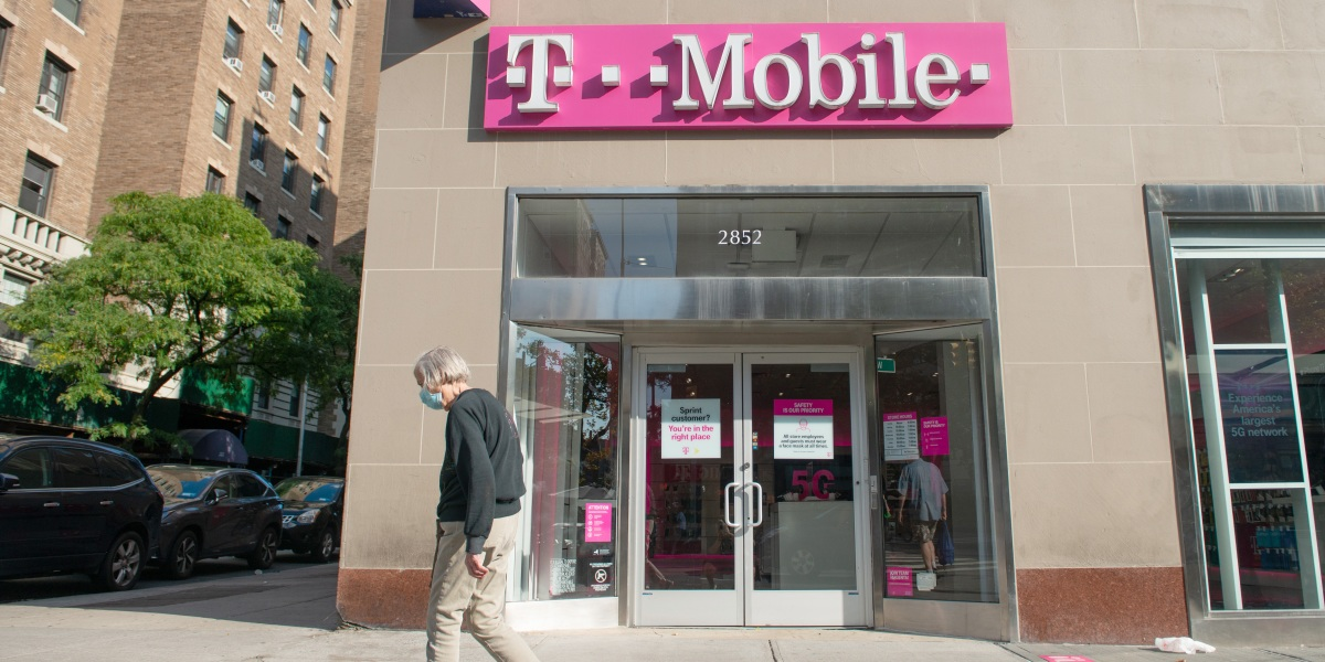 T-Mobile will extend quick 5G service across the country in 2021, pressuring rivals thumbnail