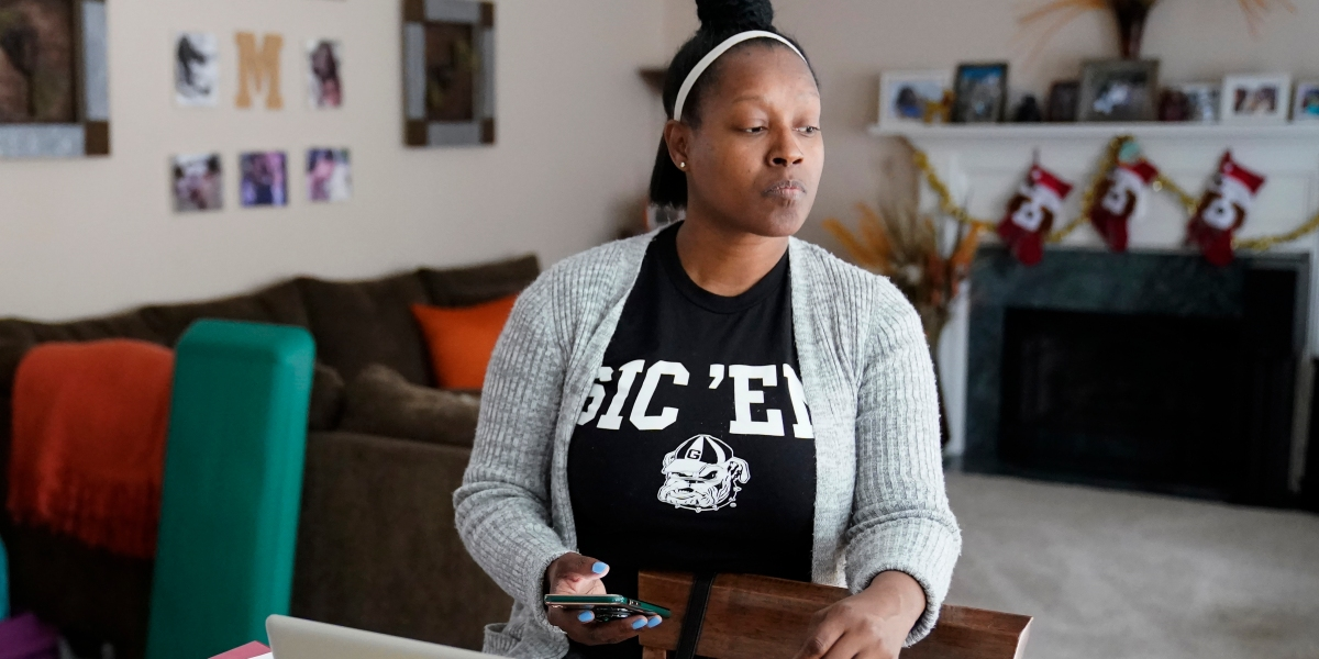 'We are struggling': Unemployed Americans face a bleak Christmas thumbnail