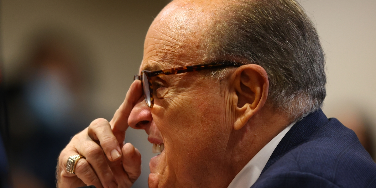 Rudy Giuliani checks positive for COVID-19 amid election-results challenges thumbnail