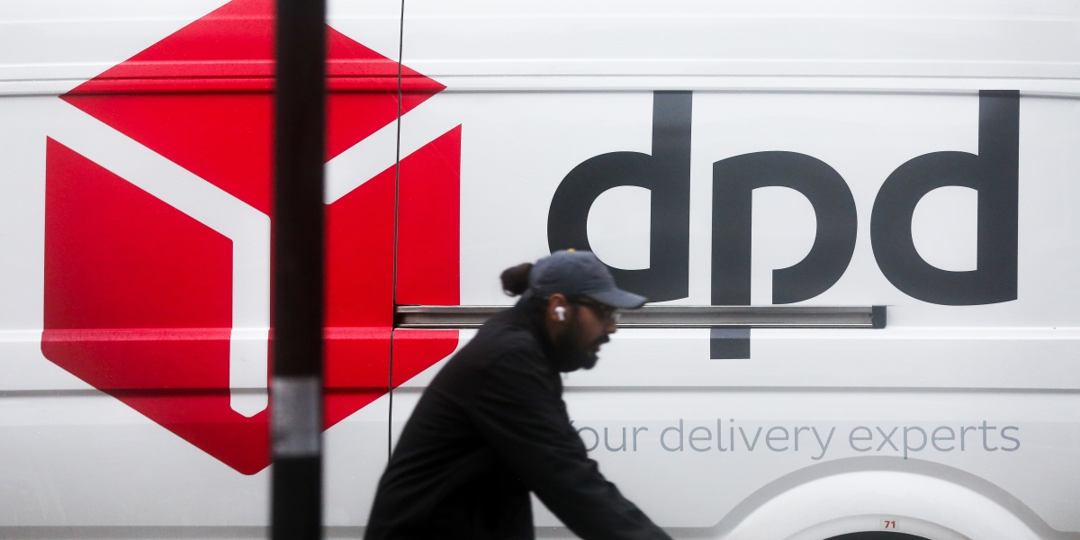 Logistics giant DPD pauses U.K.-to-EU parcel deliveries, in the middle of post-Brexit customizeds mayhem thumbnail