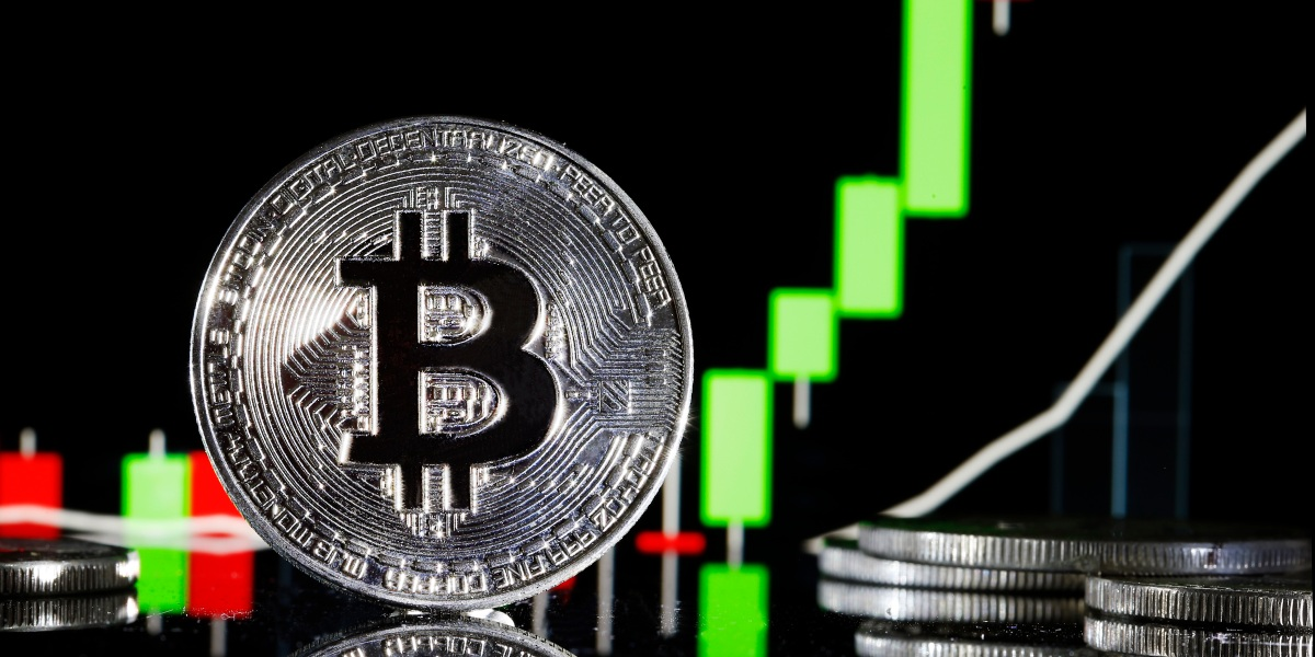 Bitcoin tumbles 20 percent in worst crash since March thumbnail