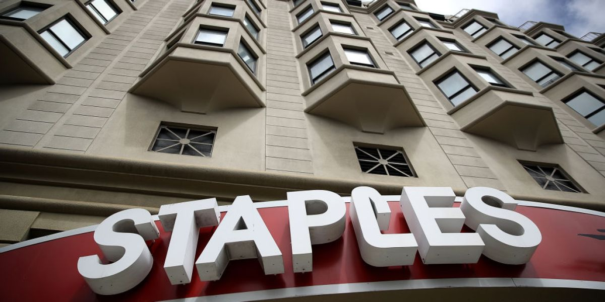 Staples offers to buy Office Depot parent firm at $2.1 billion deal thumbnail