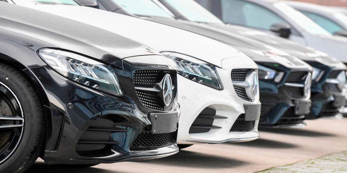 Chinese demand powers knockout Daimler profits as German auto stocks make a big comeback