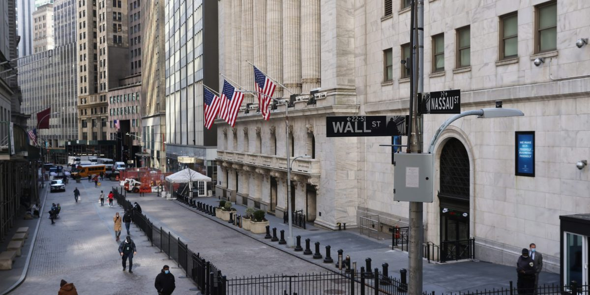 Optimism around U.S. economy drives Dow, S&P to tape-record highs thumbnail