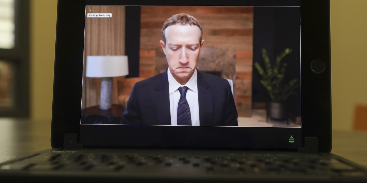 Facebook employees 'opinions about CEO Mark Zuckerberg are being distorted