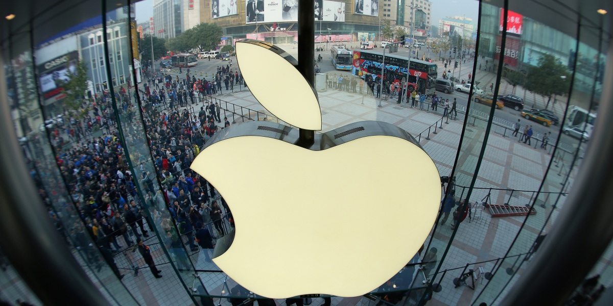 Apple is trying to calm critics of its controversial software update after the pushback
