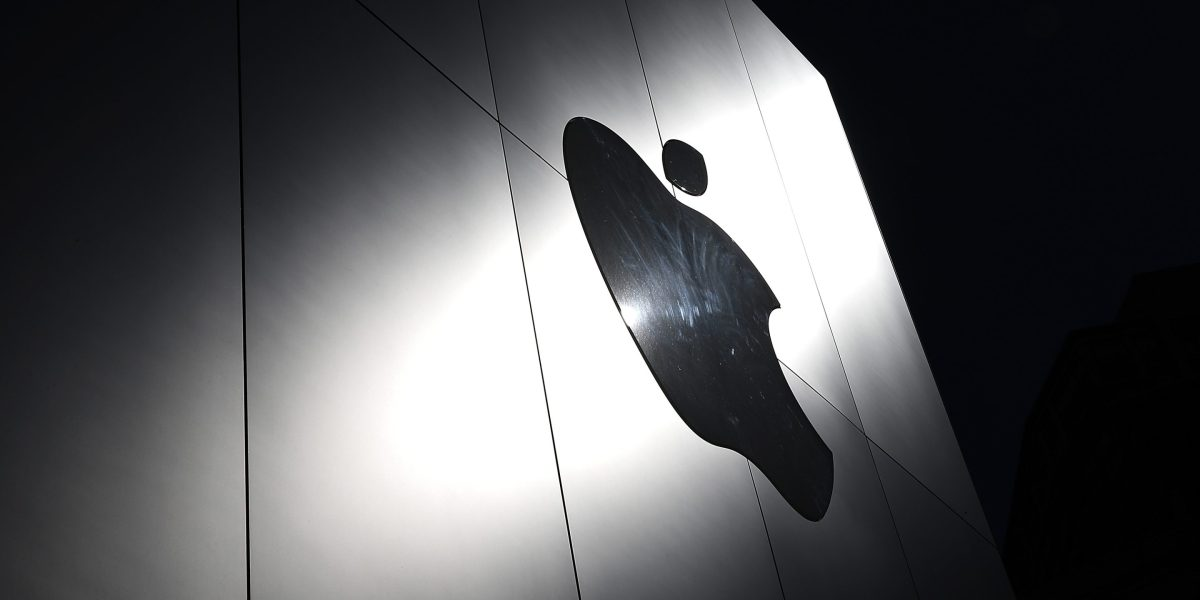 Apple's controversial phone-scanning plan gets eviscerated
